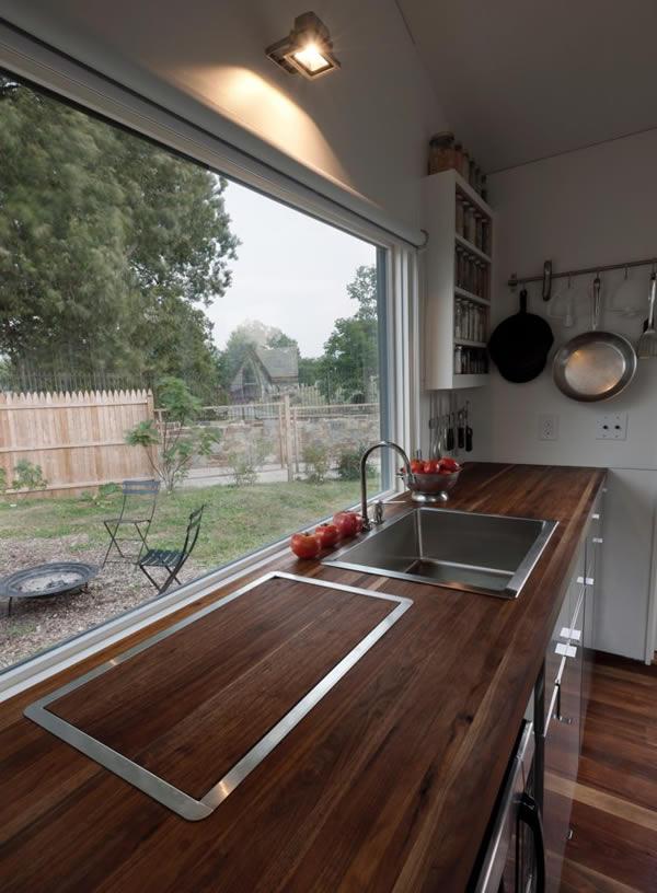 Minim House beautiful and elegant kitchen