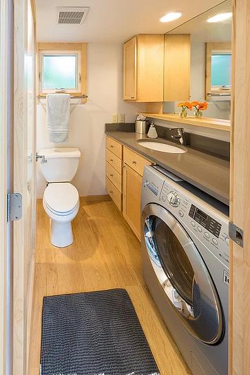 Tiny House Vista bathroom